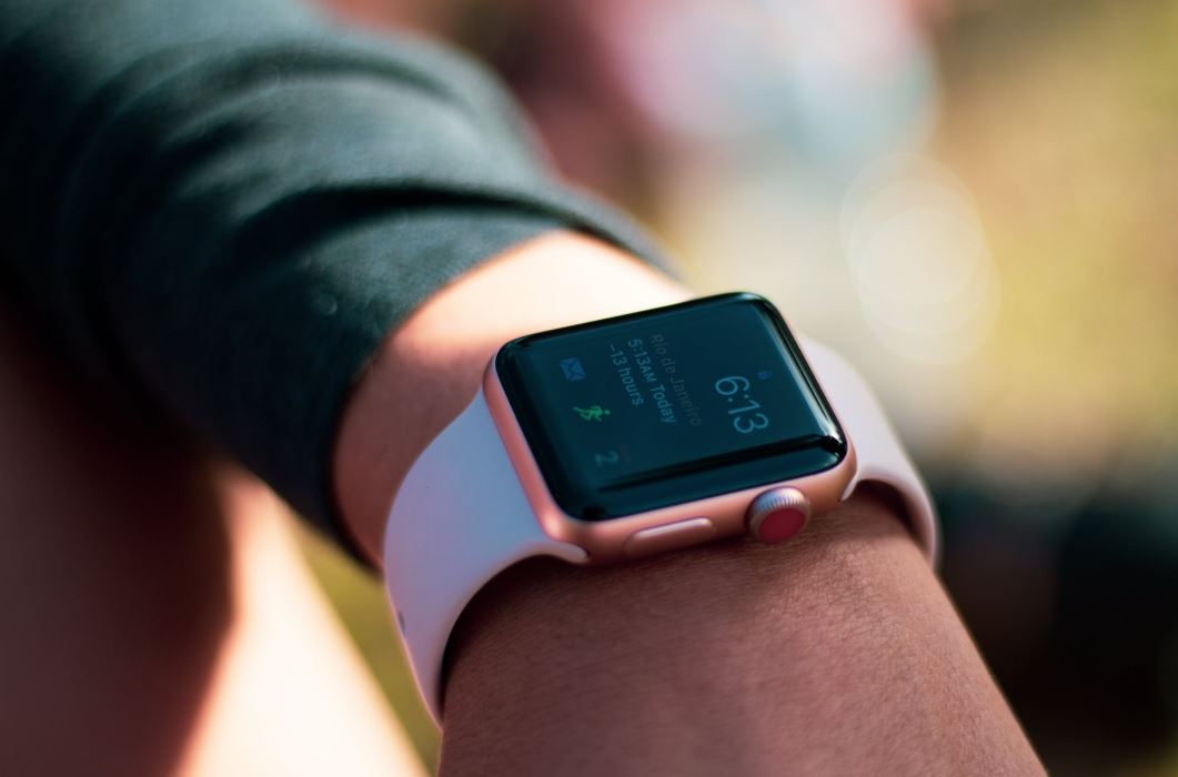 Global Smartwatch Market Revenue up 20% in H1 2020
