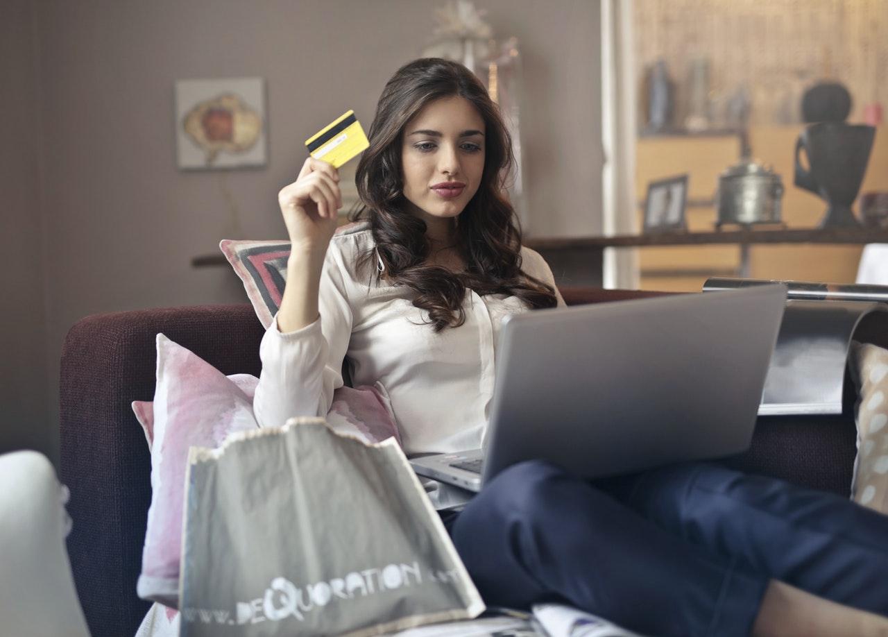 e commerce contribution from Amazon, Flipkart and mi.com