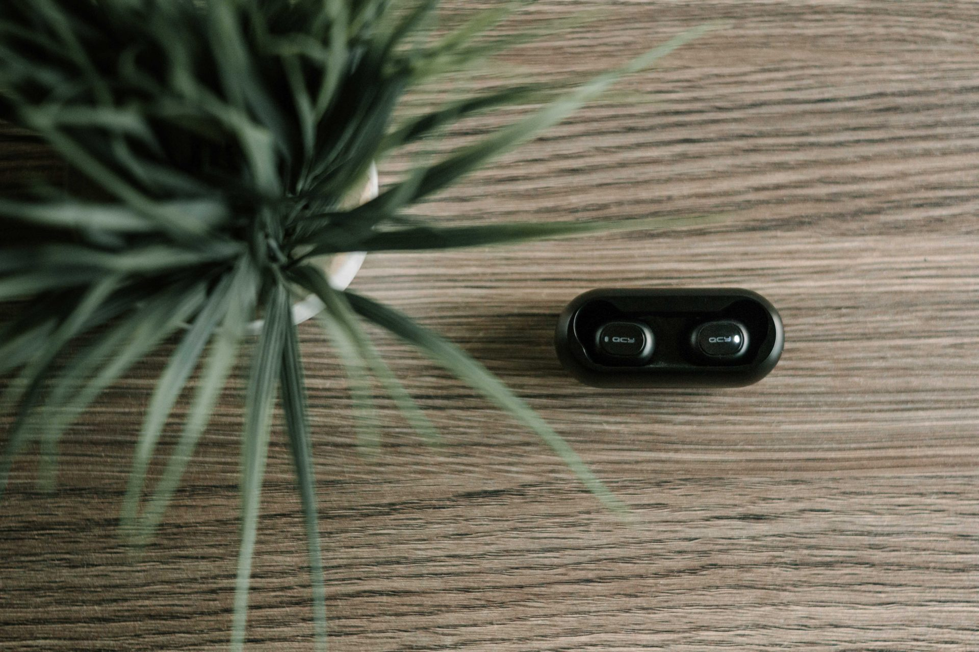 Global True Wireless Earbuds (Hearables) Market Tracker by Brand & Regions: Q3 2019