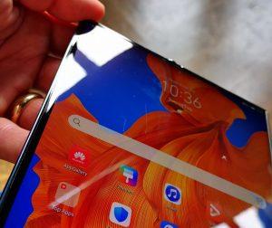 Huawei Mate Xs Outwardly Folding Screen