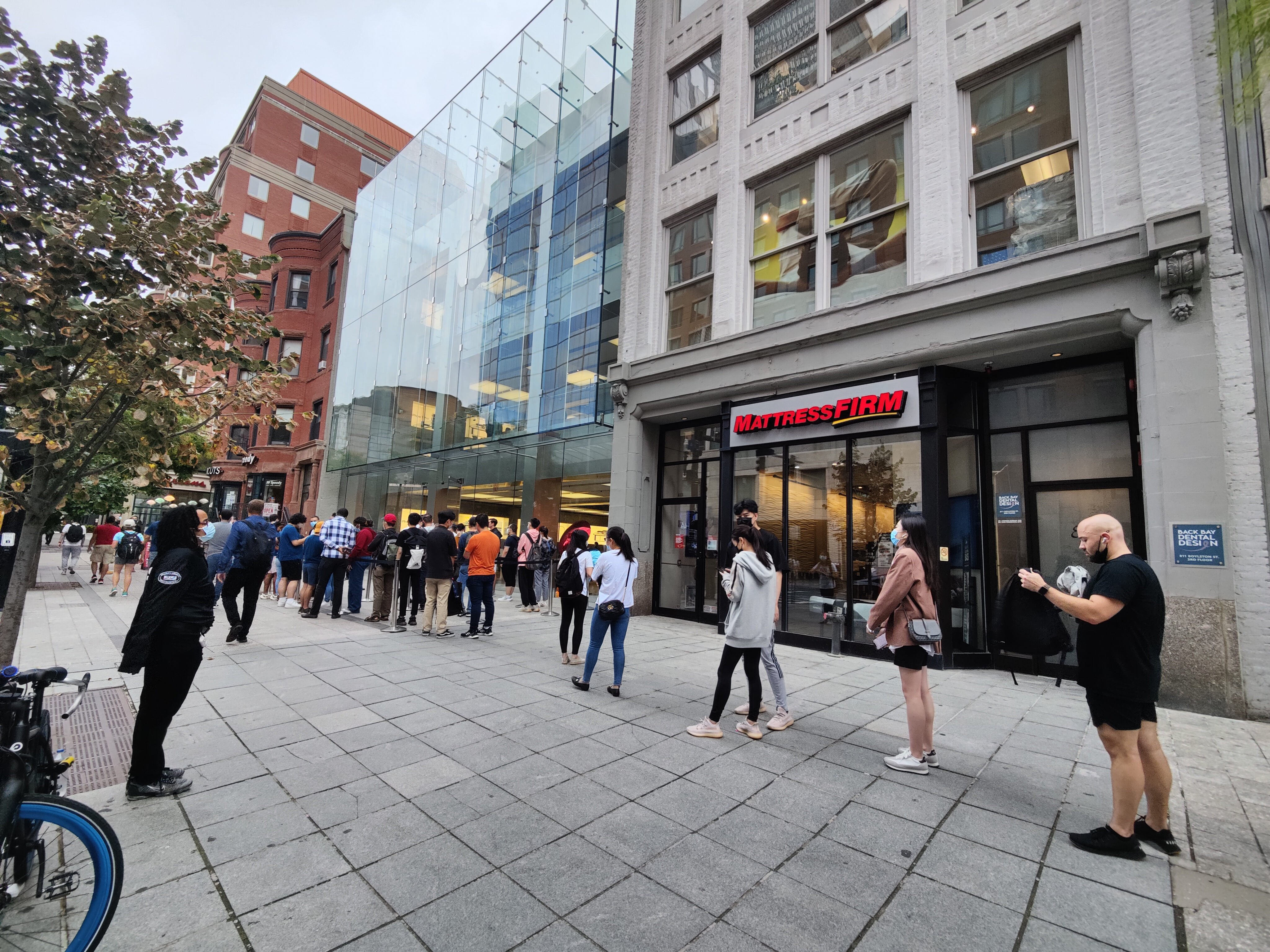 Apple Store on Boylston Street iPhone 13 Launch