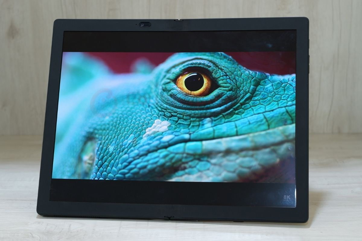 counterpoint lenovo thinkpad x1 fold review display